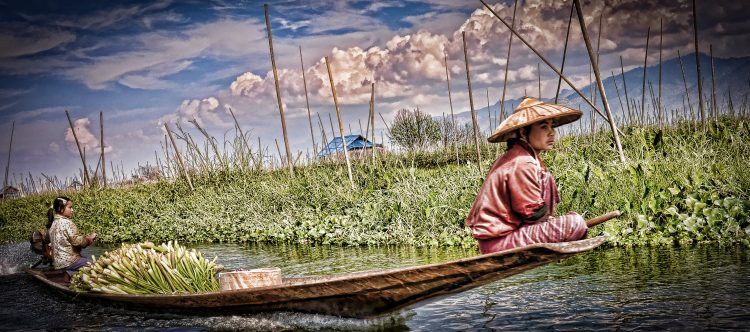 224 – Day 12 Inle Lake – Farmers from the floating gardens of In