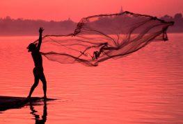 Pescador en río Irrawaddy