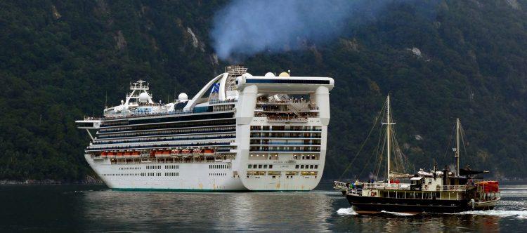 cruise-ship-1775437