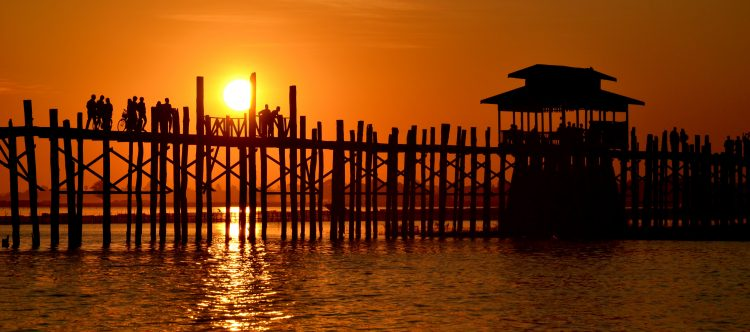 u-bein-bridge-1861037